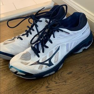 Used Mizuno Volleyball shoes